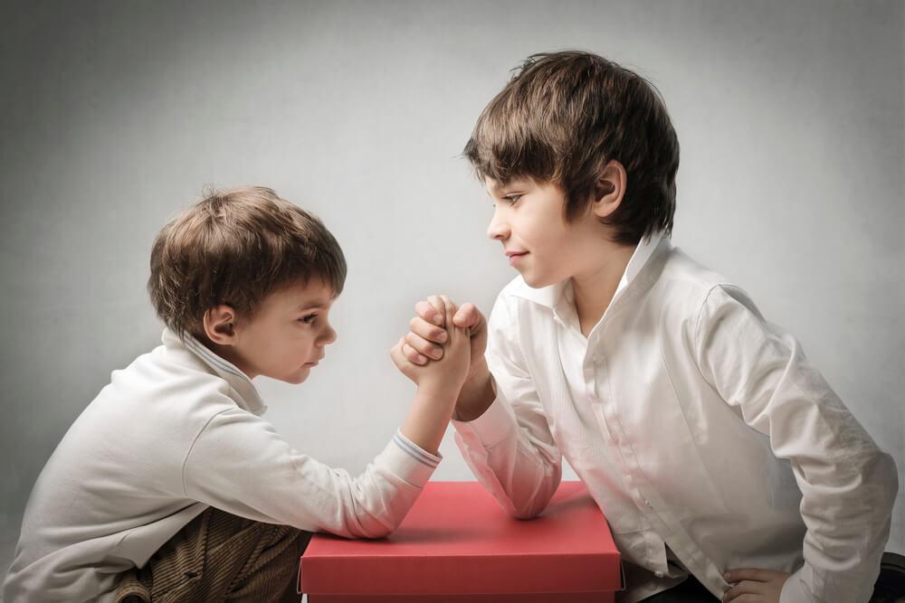 Cuatro tips para manejar la rivalidad entre hermanos - Ismael Cala